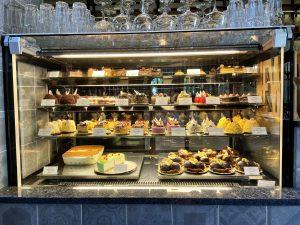 Vincent bar & Restaurant Kecskemét, süteményes pult
